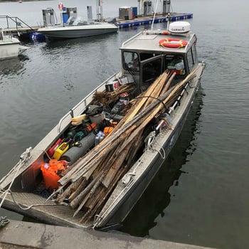 Båttransport av gärdsgårdsvirke